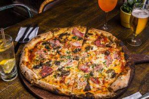 Santa Maluco pizza